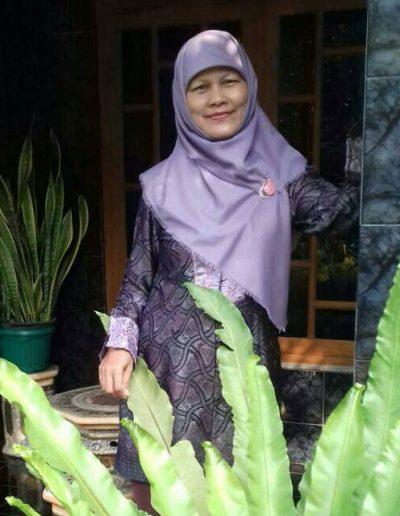 Dra. Siti Aminah
